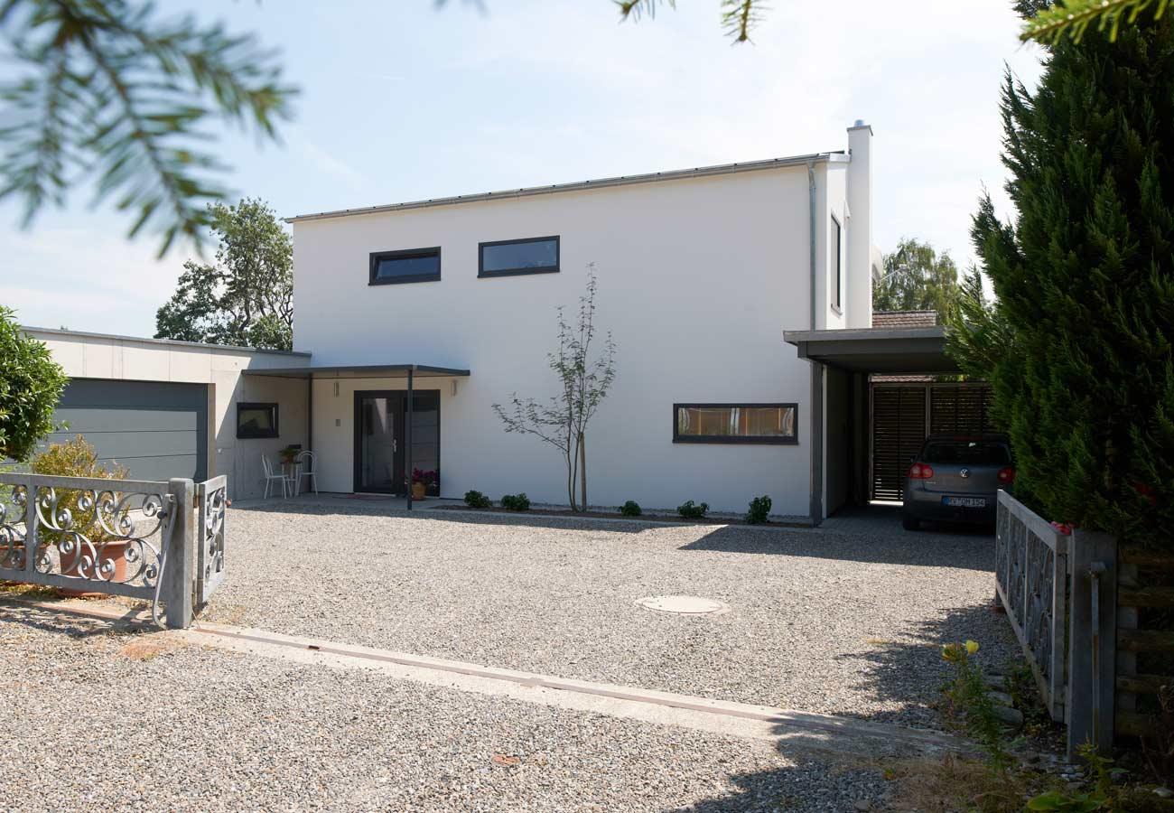 Einfamilienhaus_Wilhelmsdorf_Hauseinfahrt
