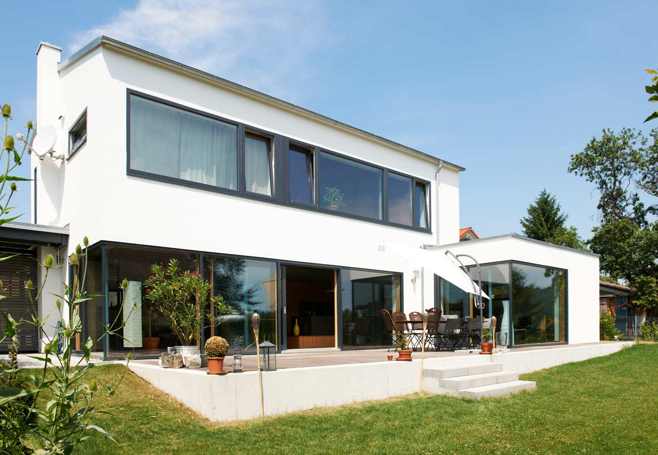 Einfamilienhaus_modern_Garten_Terrasse