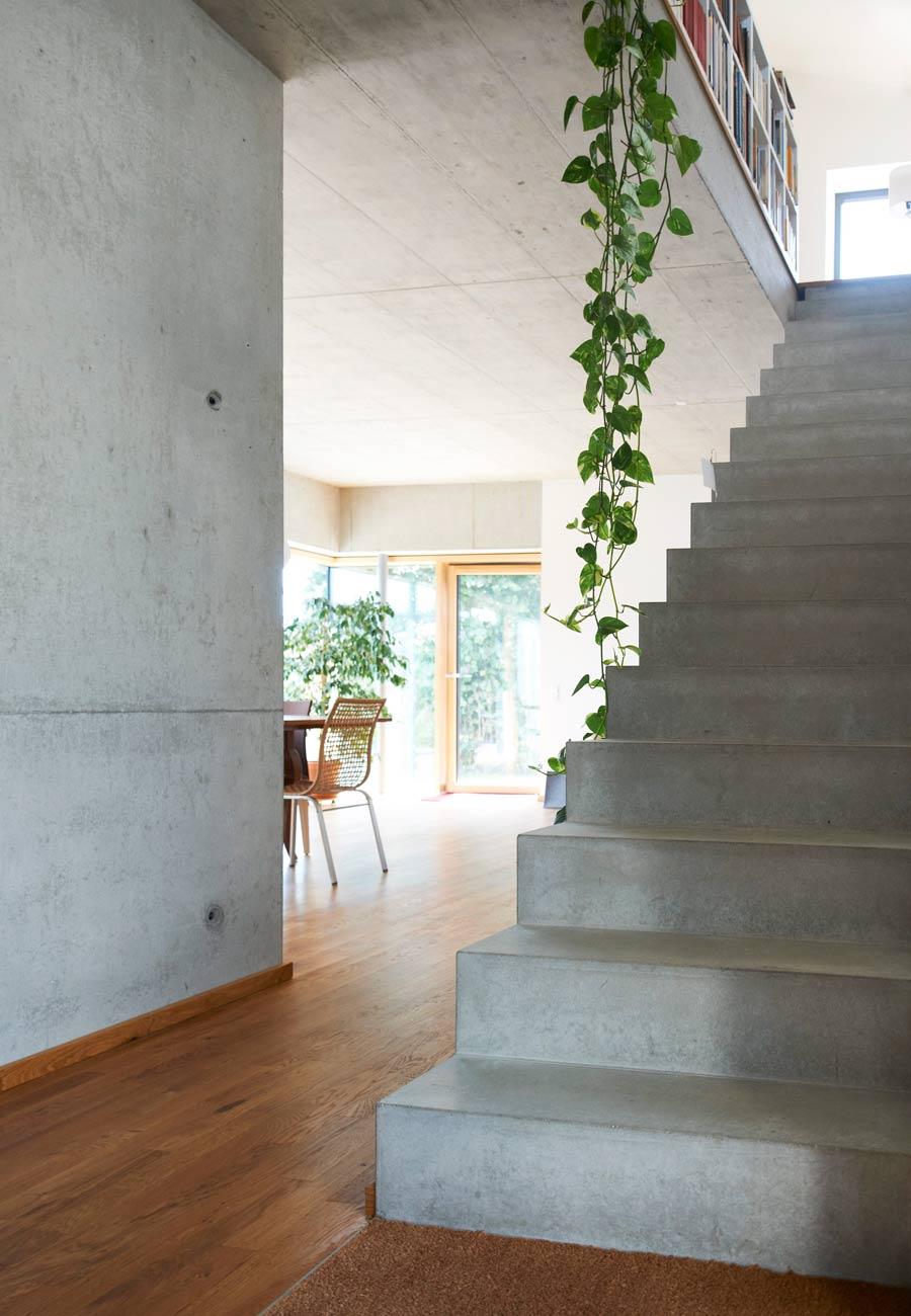 Einfamilienhaus_Treppe_Sichtbeton