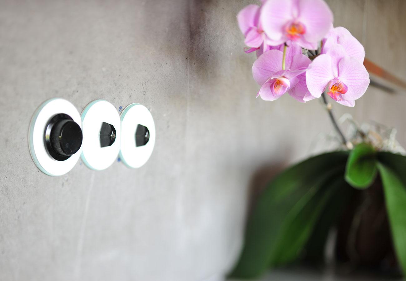 Design_Lichtschalter_Sichtbetonwand