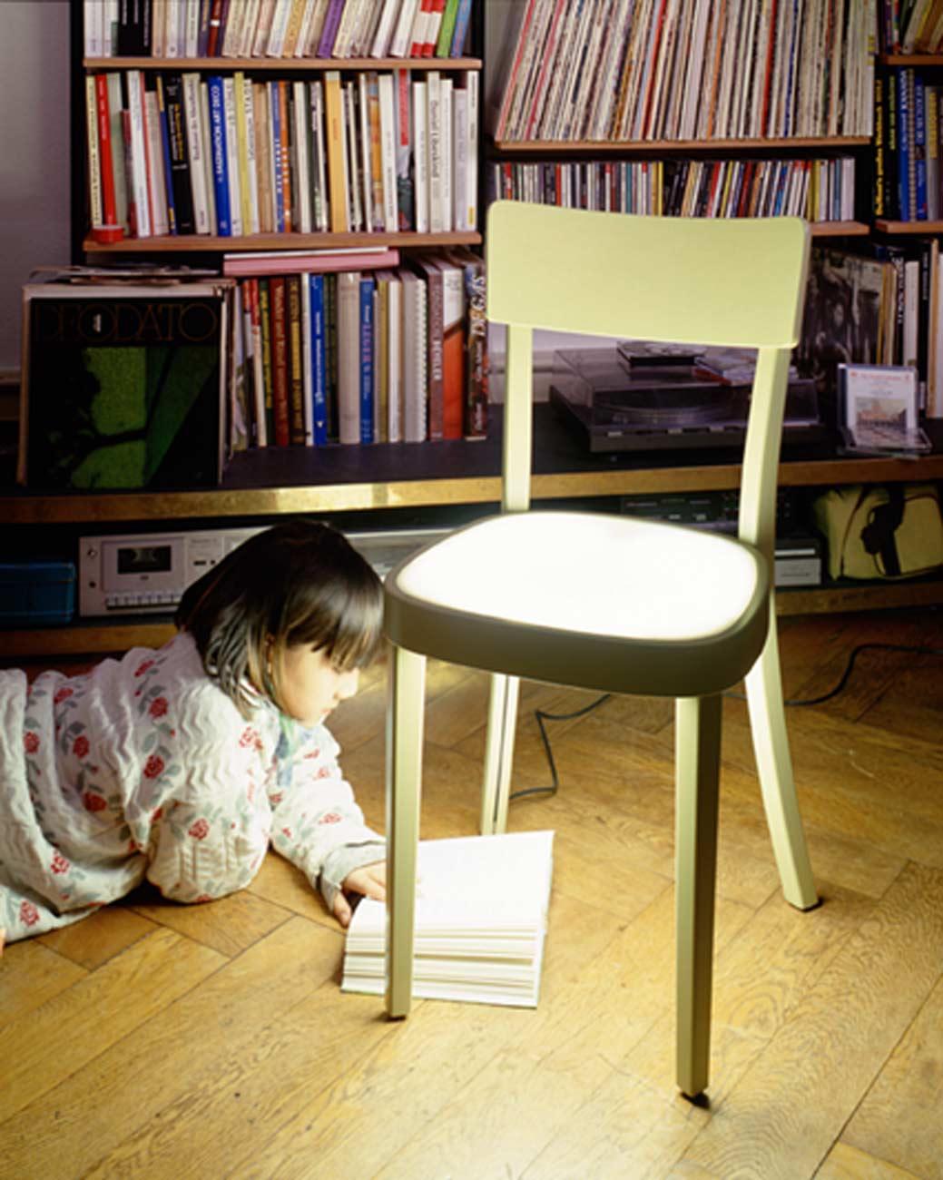 Pof_Leuchtstuhl_Design_N2